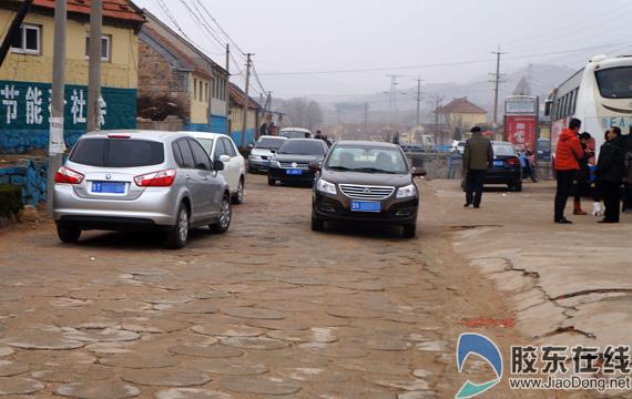 乡间 小路经常上演大堵车 高档车现身农村 图