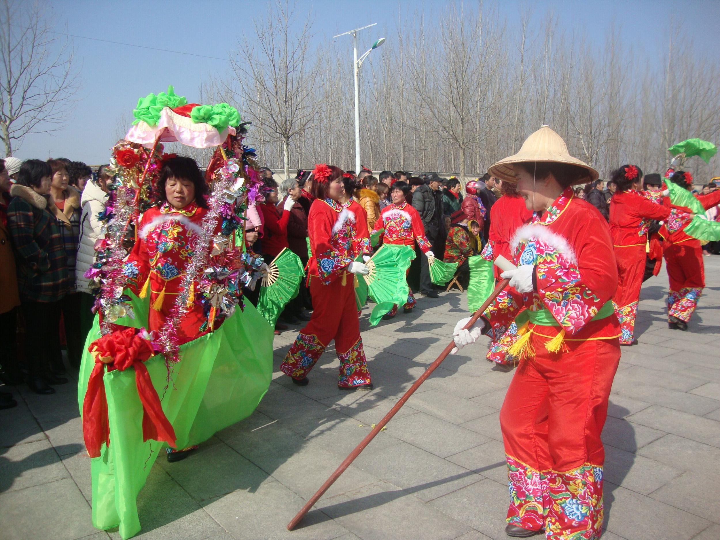 莱州市郭家店镇举办全镇庆新春秧歌汇演活动