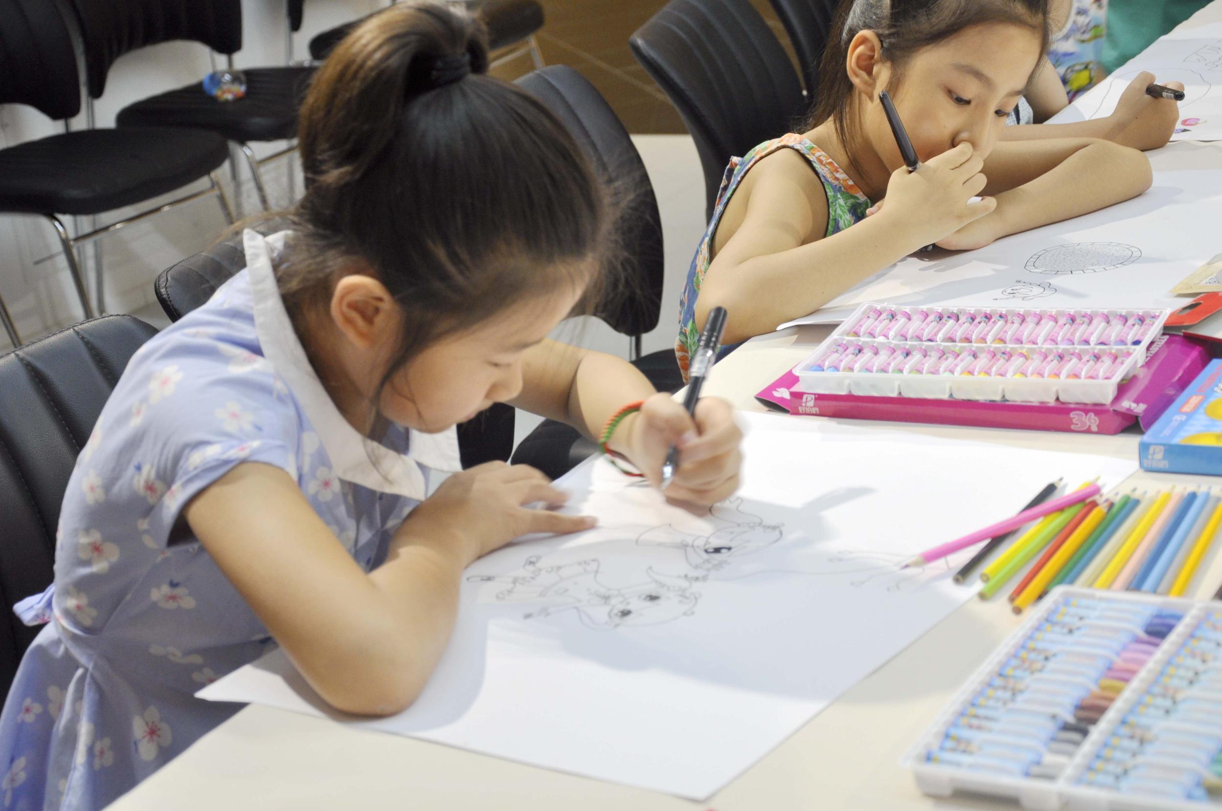烟台美术博物馆儿童简笔画亲子活动成功举办