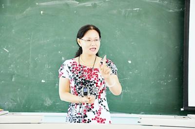 李娜给孩子们授课