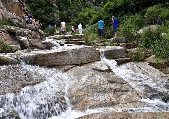 青山绿水——美丽龙凤峡--招远